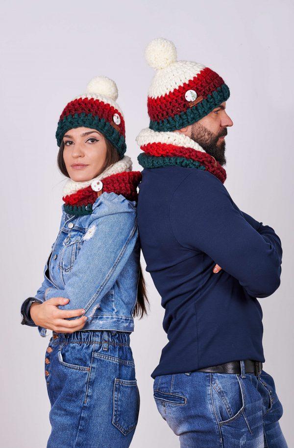 Дамски и мъжки комплект ръчно плетени шапки, яки и шалове