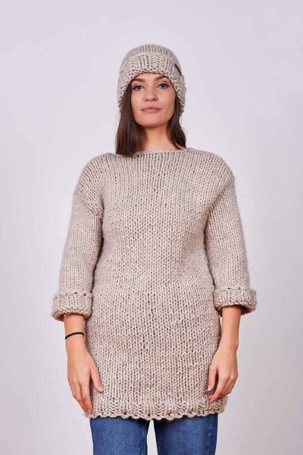 Дамски ръчно плетен пуловер