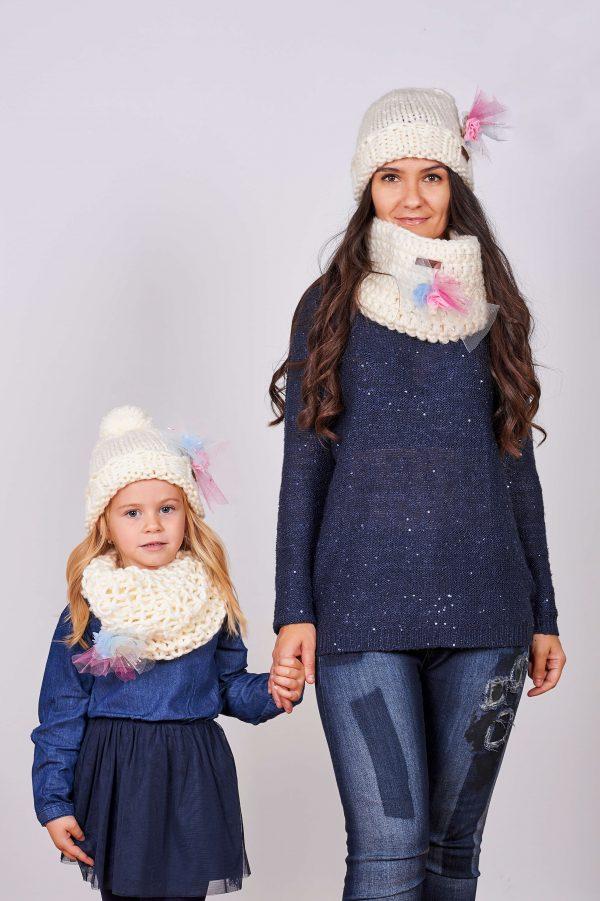 Дамски и детски комплект ръчно плетени шапки и яки